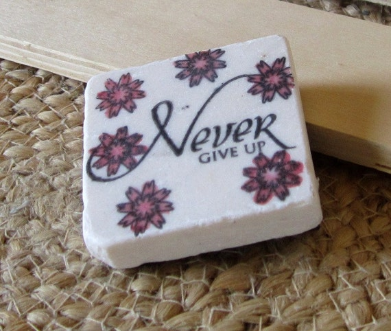 Never Give Up Worry Stone, Flower Design, with Gift Box