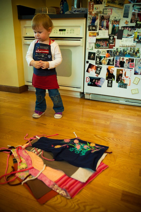 Annie - Child's cook and craft apron - 813