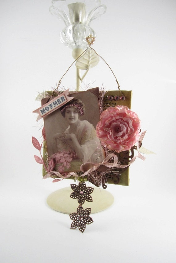 Mother's Day Gift - Vintage Lover Ornament / Decoration - Vintage Style Decor - Mixed Media Plaque
