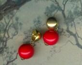 Vintage Vibrant Red 16mm Short Dangle 1950's Pierced Earrings