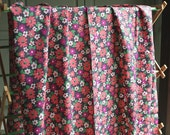 Vintage Fabric 70s Polyester Crepe Flower Power, Fun Mod Vintage Daisy Flower Sewing Fabric