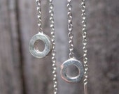Delicate summer threaders - sterling silver circle chain earrings