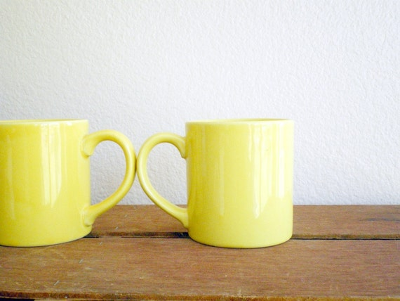 vintage yellow coffee mugs his and hers. Black Bedroom Furniture Sets. Home Design Ideas