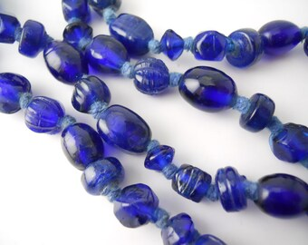Vintage 1970s, Italian, glass bead necklace
