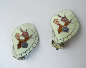 VINTAGE 1950s CLIP-on ENAMEL and silver-tone earrings