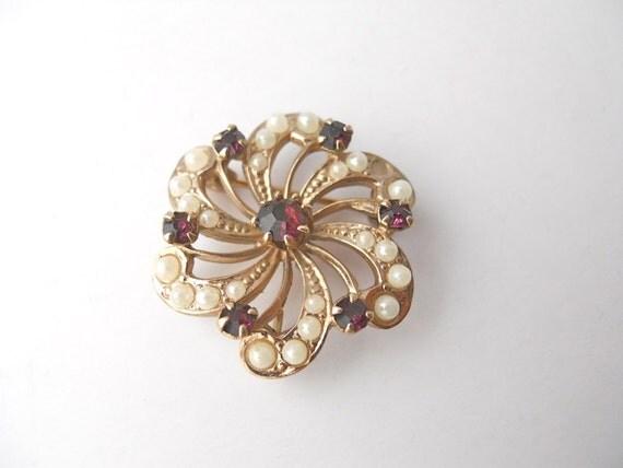 SWIRLING FLOWER BROOCH vintage, rhinestones, faux pearls, and Pendant
