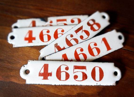 vintage enamel number or plaque, 4-digit red on white, from Belgium