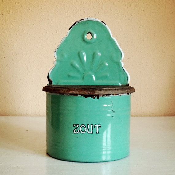 vintage Dutch enamelware, zout, sel or salt box, turquoise green with white lettering and wood lid