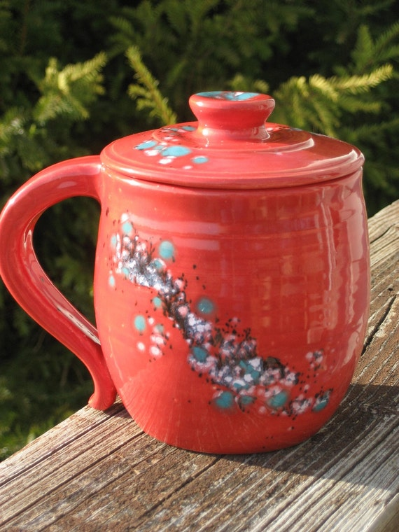 large covered mug, red with turquoise crystals