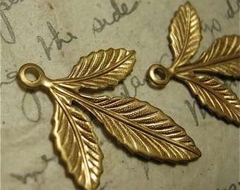 Brass Finding of Three Leaves with Loop at Top (2)