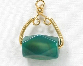 SALE 1 green Jade Pendant with gold wire wrappred bail (IB290g)