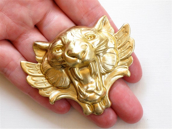 1 X large TIGER head with wings 67mm x 54mm (FF43).