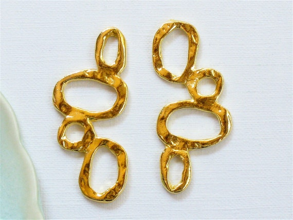 12 TEXTURED multi circle jewelry charm connectors in gold . 1 3/8 inches long (GT2gA)