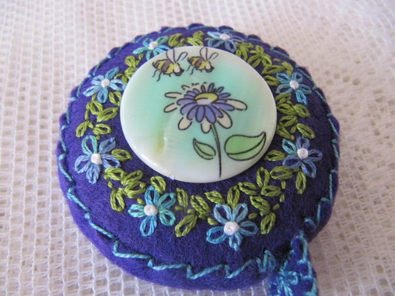 Retractable Tape Measure - Hand embroidered flowers Mother of pearl Bee button