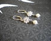 Flower Girl earrings, Jr. Bridesmaid earrings, Bridal Pearl Earrings, danty earrings E024