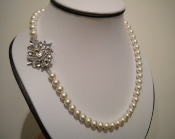 Bridal Pearl Necklace, Vintage Style Necklace, Bridal jewelry, Rhinestone Necklace, pearl and rhinestone, Tia