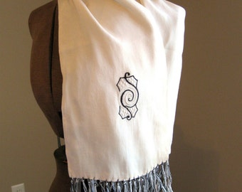 VIntage scarf. Gatsby style.   Vintage scarf with fringe and embroidery. 1950's or earlier