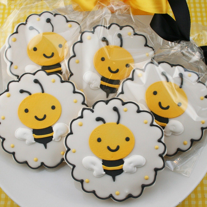 Bumble Bee Sugar Cookie Favors 12 cookies bagged & by TSCookies