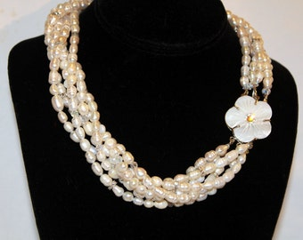 FREE SHIPPING -- Freshwater Pearl Necklace