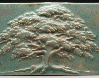 Carved Summer Oak Tree - Speckled Moss