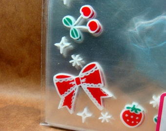 Cute Berries small gift bags (set of 26)