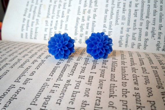 Bright Blue Mum Earrings