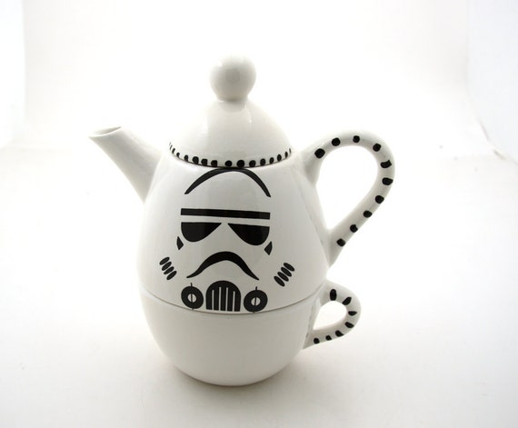 Star Wars (R) Inspired Storm Trooper (R)  Teapot, Tea for one, geekery, gift for tea drinker