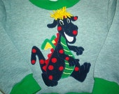 Childs Sweatshirt with Dragon Applique  SIZE 2 to 3 T