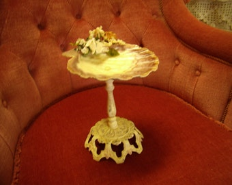 Vintage Shell Soap Dish on Stand