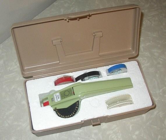 Vintage Dymo 1610 Label Maker With Case