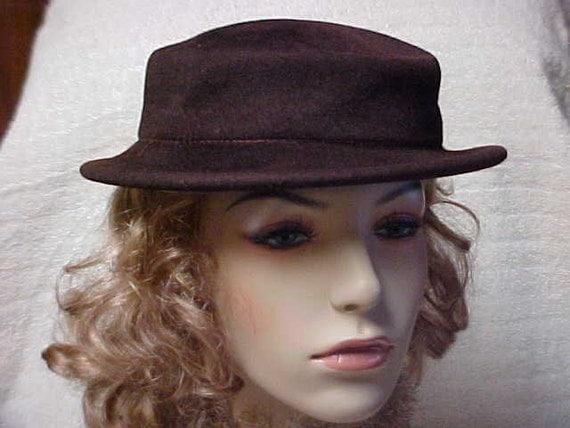 Reserved for Pascaline:---Dark brown Designer Henry Pollak hat hundred % wool