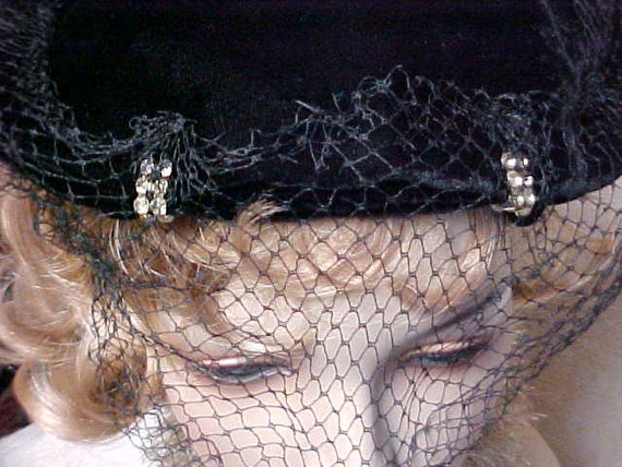 Reserved for Pascaline:---Black velvet fascinator hat with 2 rhinestones in front and veil- Nice