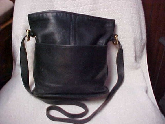 Black leather Coach bucket bag-shoulder bag-cross body purse