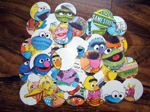 Oscar's Birthday Sesame Street 160 2 Inch Circle Book Cutouts - Pictures and Words