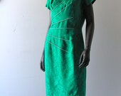RESERVED - Emerald green brocade dress - Mad Men bombshell - size 6/8- Joan Holloway wiggle chic - Asian Hollywood glam
