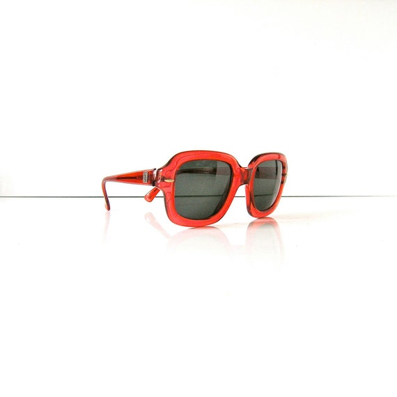 80s Givenchy sunglasses - Iris Apfel chic - ruby red with green lenses - style 1022 - like new - polarized hand made France