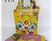 Oilcloth Lunch Tote PDF Sewing Pattern - Easy to make - SALE Price