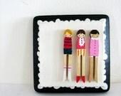 handmade wooden folk art  mini clothespin dolls plaque ...three girls