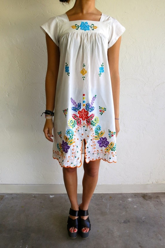 Vintage White Floral Peasant Dress