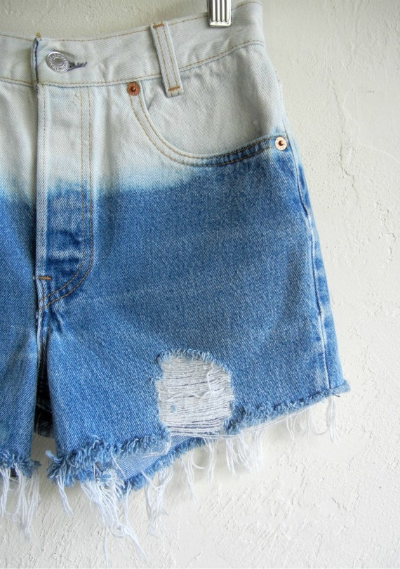 Ombré Medium Wash Levi's Denim Shorts