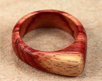 Size 4.75 - Tulipwood Ring No. 3 (01-07-12)