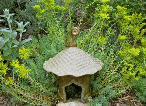 Blossom Top Toad House