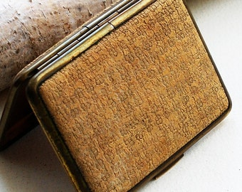 rusty and grungy VINTAGE box  a.k.a. cigarette case  T 17