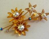 Vintage Brooch - Faux Pearls- Stylish - Gold Tone - Briliant Rhinestone - SUPERB and SOOO ELEGANT