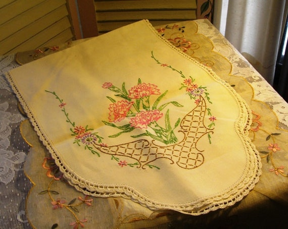 SALE ws 9.95 now 7.95 COTTAGE CHARM - Sweet Vintage Floral Table - Dresser Runner - Scarf - Hand Embroidered