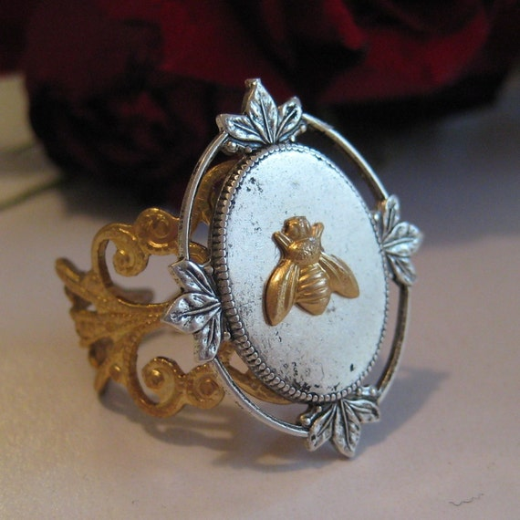 SALE Bee ring