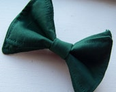 Boys Bow Tie- Hunter Green Bow Tie - Bow Ties Toddler - Newborn Bow Tie - Bowtie - Green Bow Tie - Chistmas Bow Tie - Solid Bow Tie