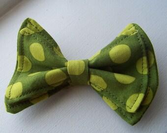 Boys Bow Tie- Green Spotty Bow Tie - Bowtie - Newborn Bow Tie - Toddler Bow Tie - Mens Bow Tie - Newborn Bow Tie - Green Bow Tie - Green Tie