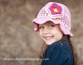 Sun hat in Blush and cream with 3 tier flower clip