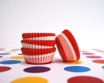 Mini Cupcake Liners 50 Red Swirl Baking Cups